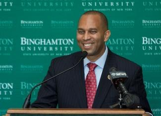 Portrait of Hakeem Jeffries