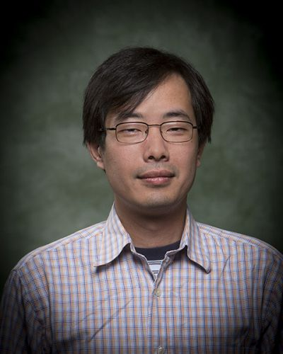 headshot of Howard Chang