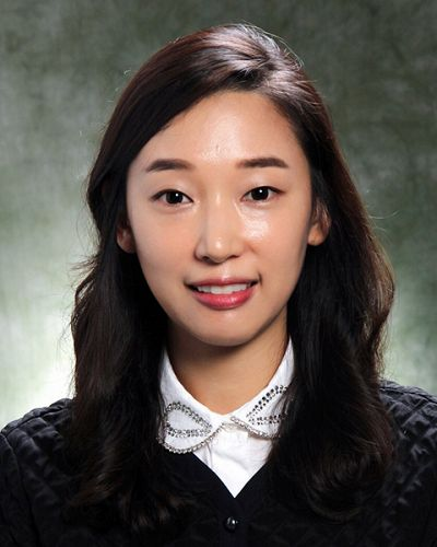 headshot of Sara Ryoo