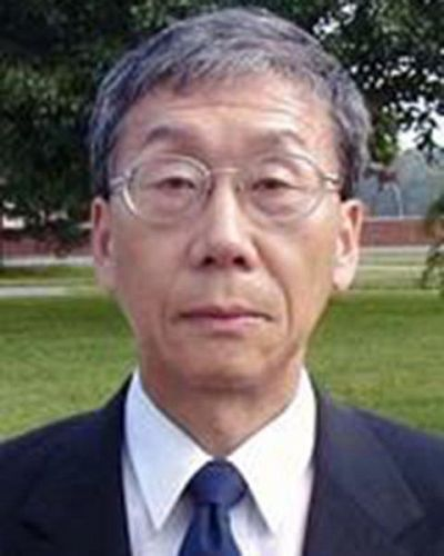 headshot of Bong Joon Yoon