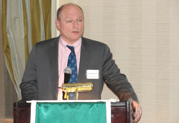 Bruce Kasman '77 speaks at an alumni gathering held March 3 at the New York Athletic Club in Manhattan.