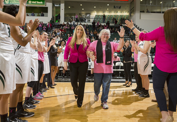 Play 4Kay game honors breast-cancer survivors
