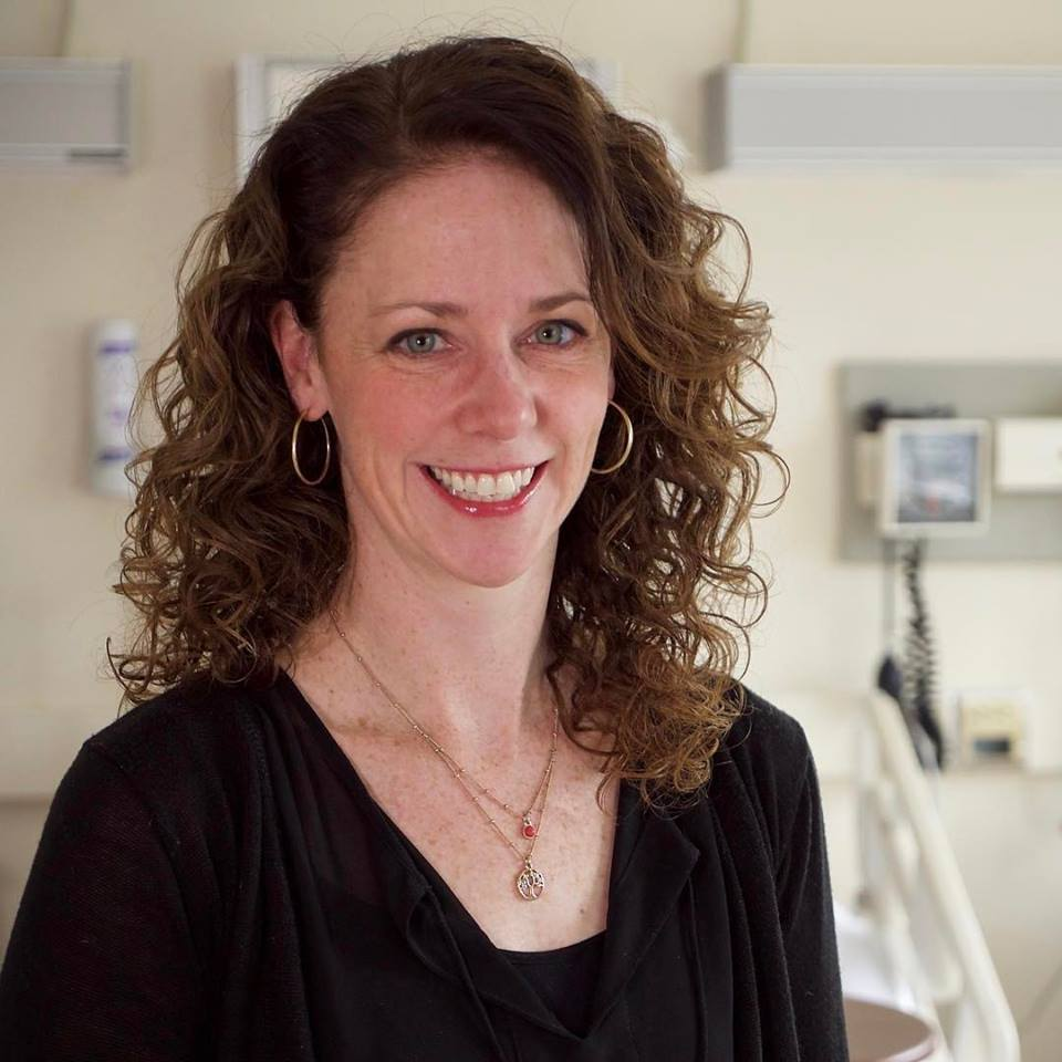Decker PhD student Carrie Rewakowski recently completed an internship with the American Nurses Association, where she studied how nurses make moral decisions during difficult situations.