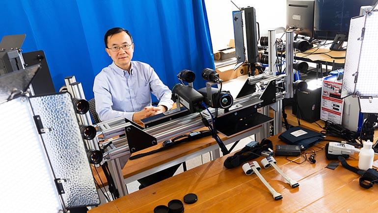 Lijun Yin is a professor in Watson College's Department of Computer Science.