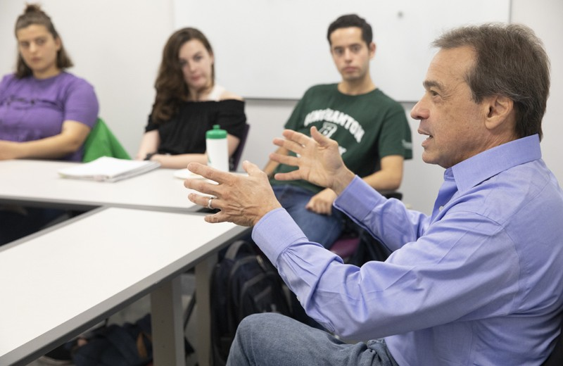 Legal analyst Michael Zeldin '73 meets with Binghamton University students at the Harpur Edge on Oct. 2 before delivering a speech about Robert Mueller's investigation of President Trump.