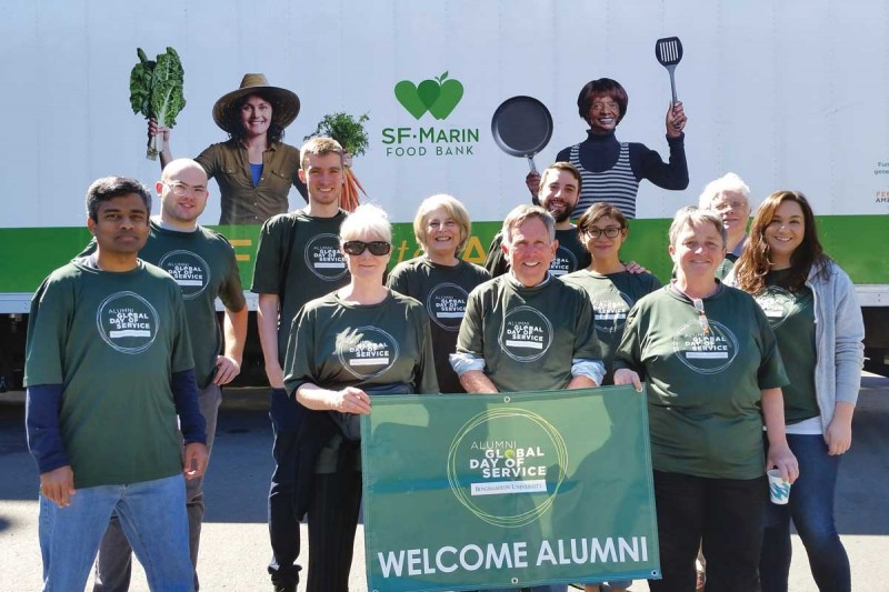 San Francisco area alumni pitched in to help the SF Marin Food Bank during the Alumni Global Day of Service in 2016.