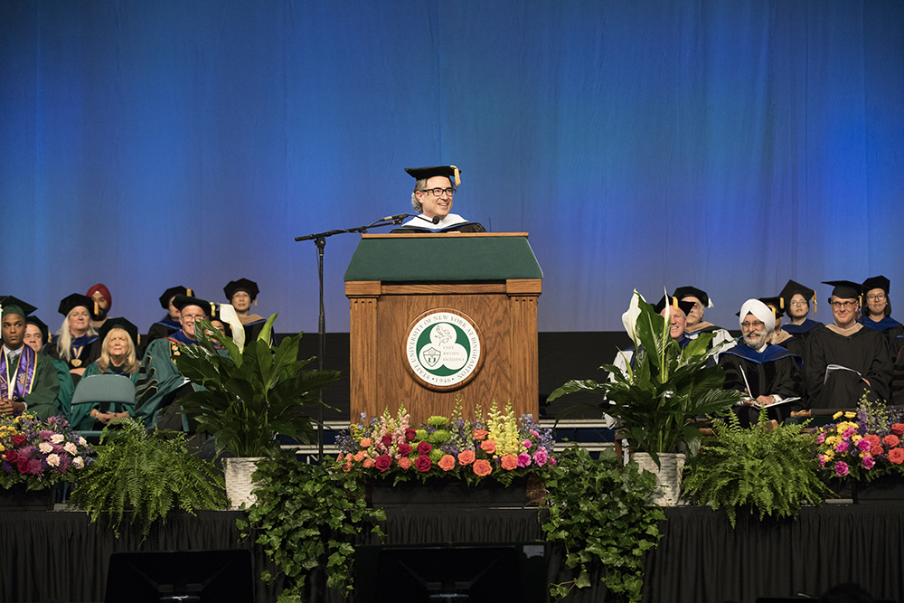 Tom Porcelli '96, chief U.S. economist for RBC Capital Markets and 2017 School of Management Alumnus of the Year, offered this year's SOM graduates five pieces of advice in his Commencement address to them in May.
